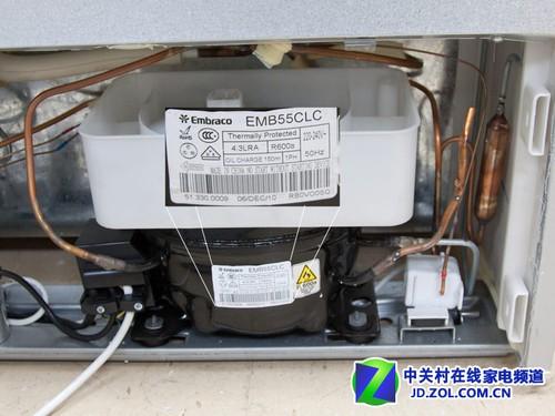 西门子kk28f2660w三开门冰箱压缩机特写