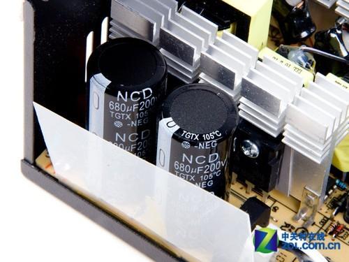 3个变压器分别是开关电源变压器,驱动变压器和待机变压器.