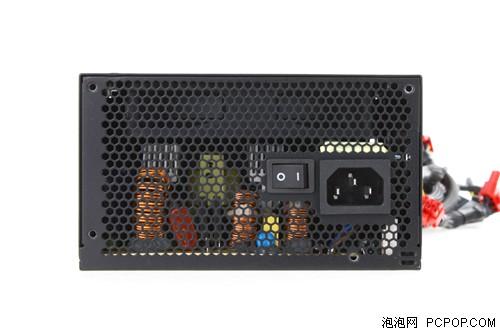 交流电输入的开关没有省略-铜牌性能老将 500瓦康舒R85电源评测图片