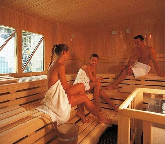 德国男女混合桑拿浴室 开放程度不一般组图