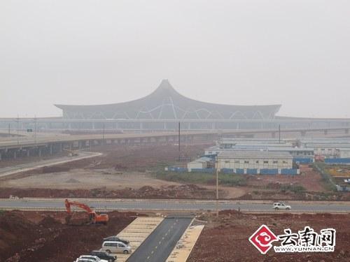 昆明长水国际机场航站楼远眺。