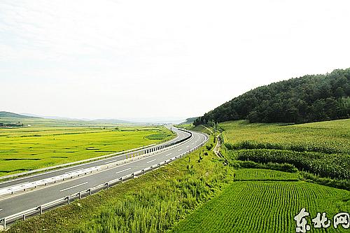 三年决战项目鹤大高速(佳木斯至牡丹江段)交工通车