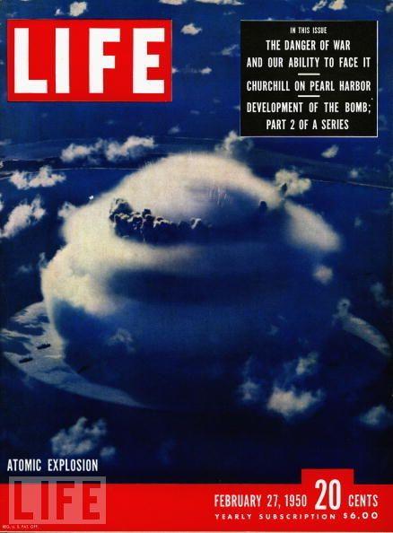 1950年2月27日,《生活》杂志封面特刊以原子弹爆炸为背景图。