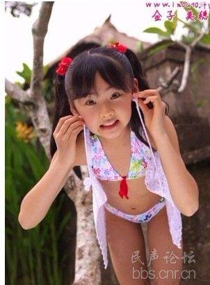 日本小学女生比基尼出镜