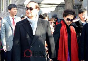 国民党荣誉主席连战及夫人走访北京南锣鼓巷