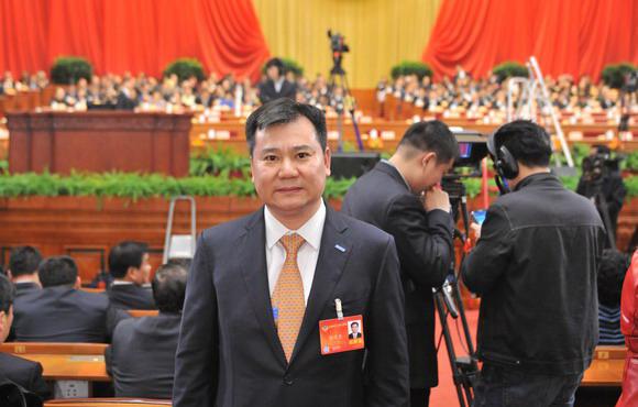 政协委员张近东在2014年全国两会现场