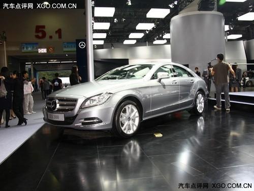 进入车内,原装奔驰cls300内饰布局在遵循上一代车型的设计高清图片