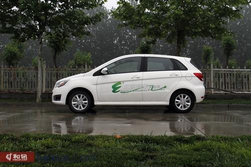 E动力静享其成 和讯汽车体验北汽E150 EV电动