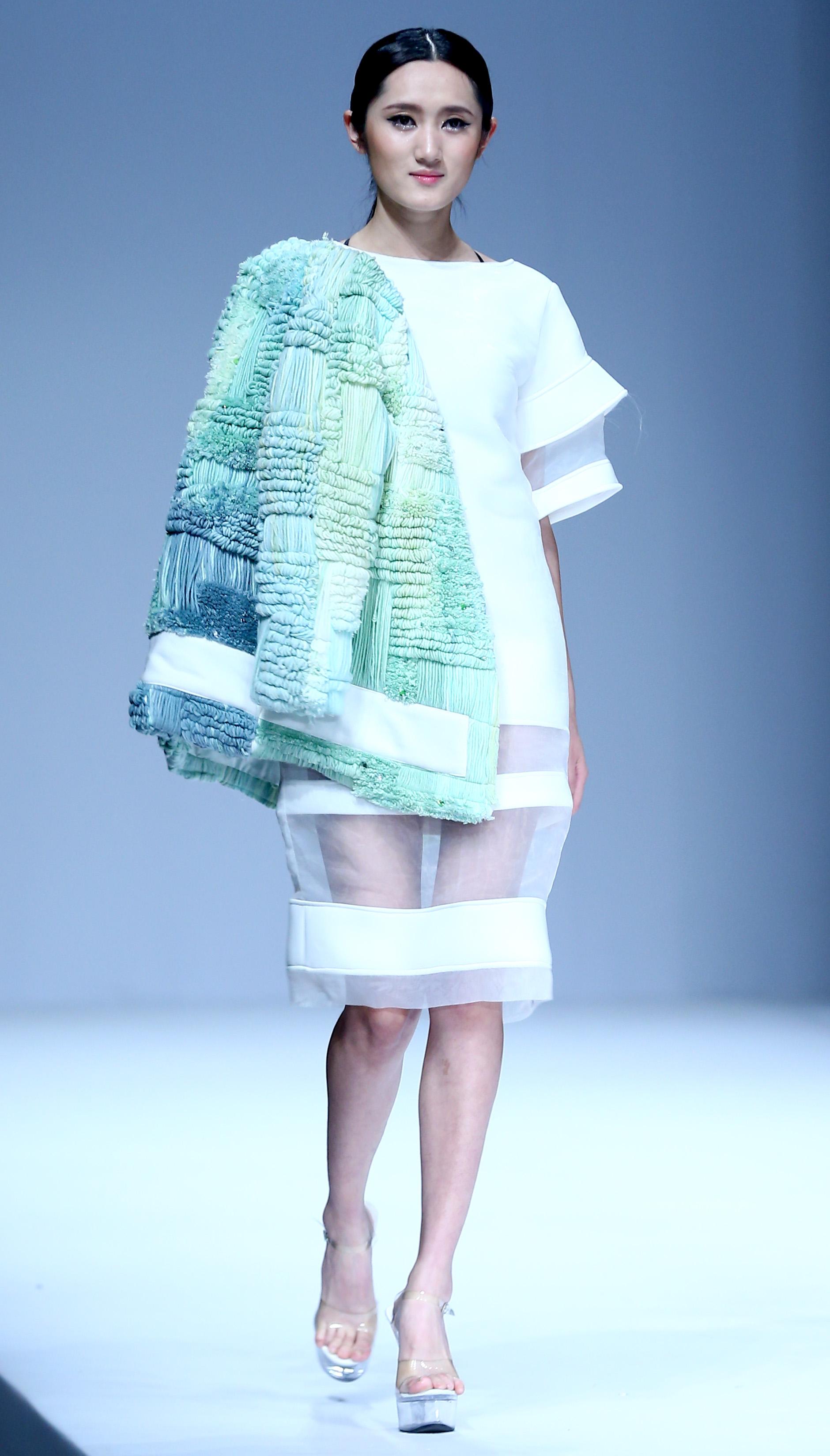 (锐视角)(9)江汉大学设计学院毕业生作品发布会在京