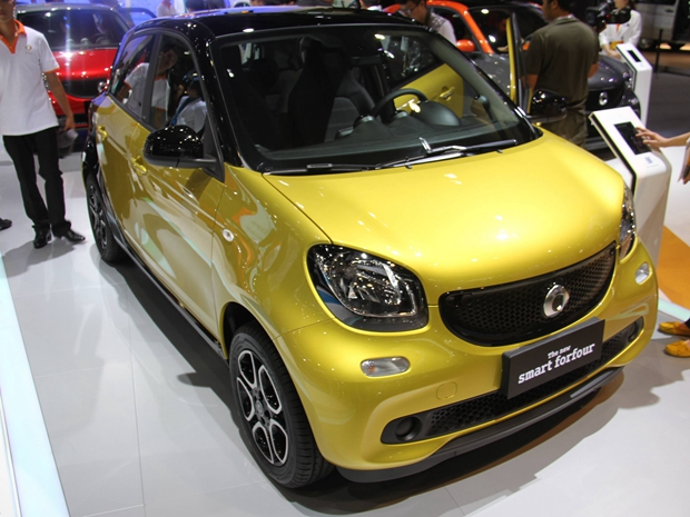 2015�V州�展��拍 全新smart forfour