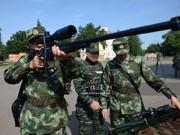 中俄反恐联训:武器饱眼福